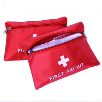 Аптечка Highlander First Aid з наповненням  червоний